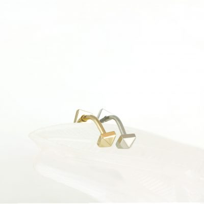 simple-minimalistic–piercing-baguette-plain-white-solid-gold–piercing-studs-screw-backs-gold-buy-online-lena-cohen-uk