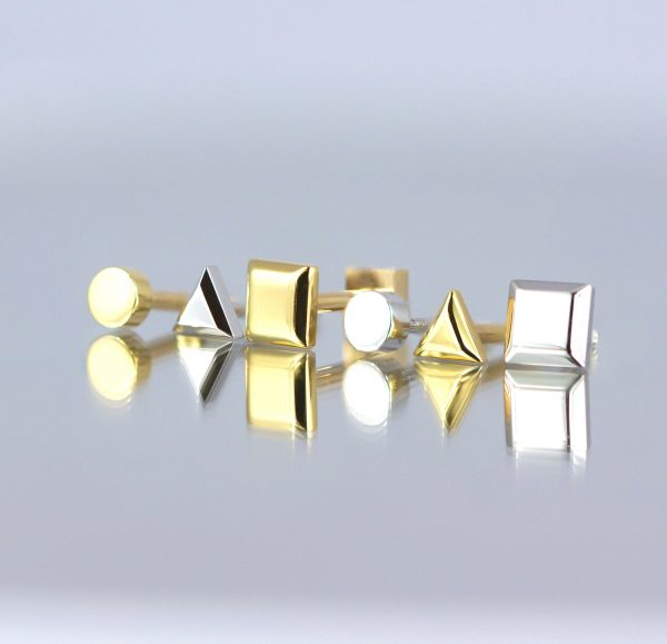 London UK Where to buy golden piercing jewellery We make 18k solid gold cartilage earrings We sell golden piercing earring Buy fine piercing earrings reputable London's brand