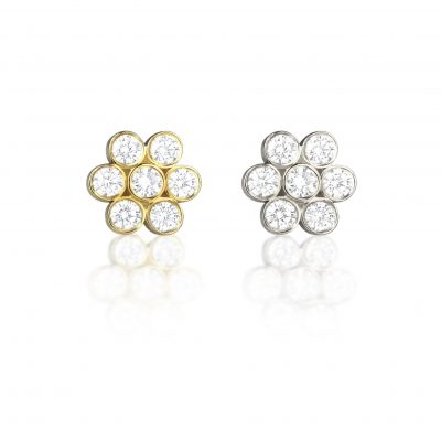 18k Gold Seven Diamonds Flower Stud