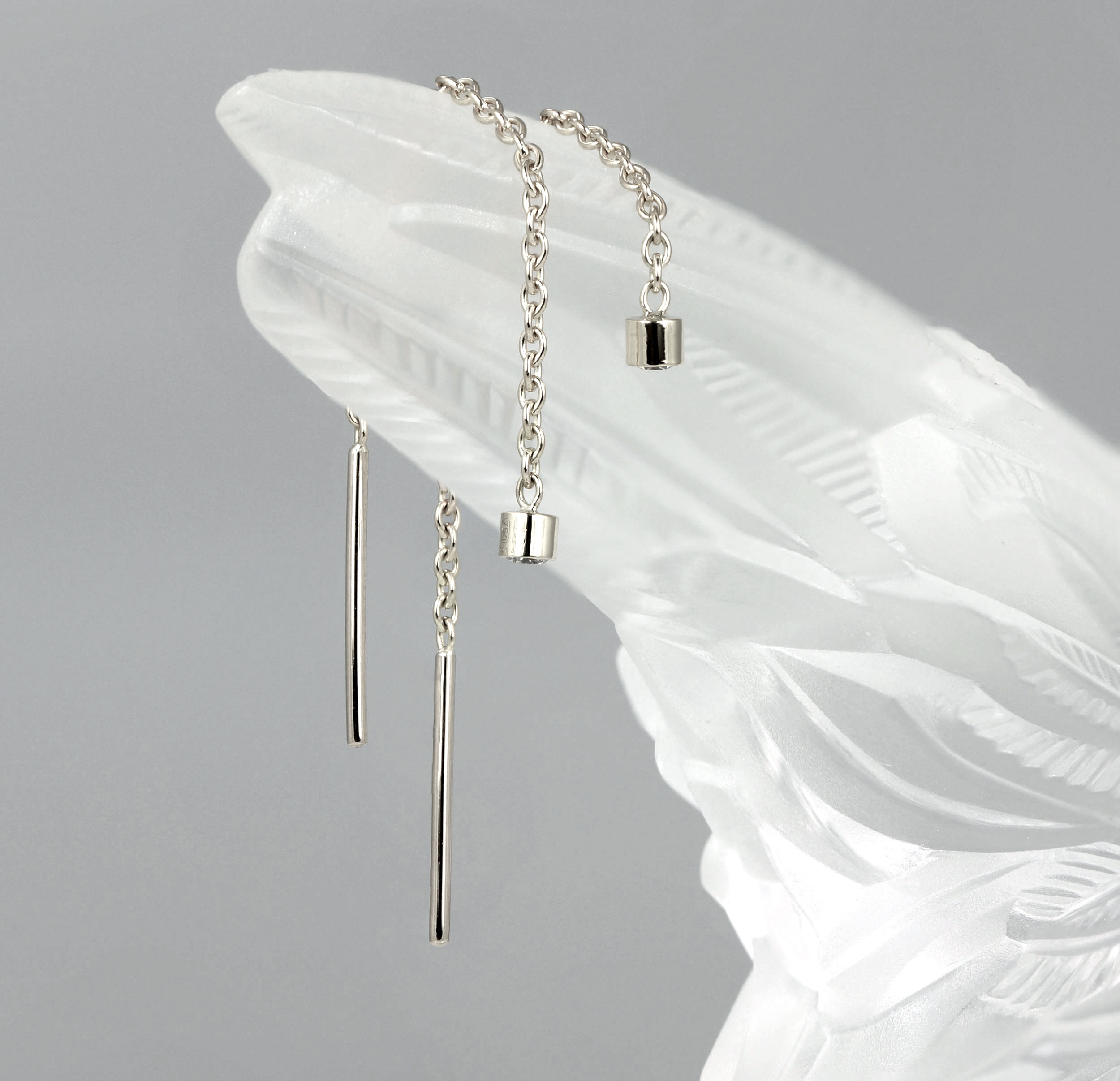 gold-threader-earrings-thread-the-metal-through-your-ear-so-that-it-falls-down-the-back-of-your-lobe-lena-cohen-fine-jewellery