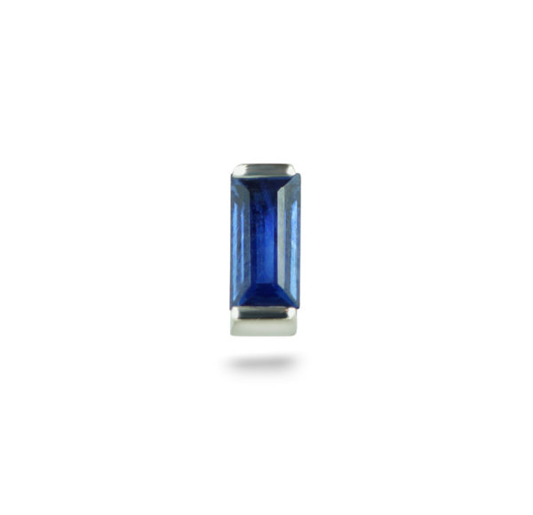 Sapphire it is a stone of wisdom and royalty, of prophecy and Divine favor. This 18k white gold baguette sapphire cartilage piercing earring compliments your everyday outfit, creating an elegant yet classic look. Hand made to fit the stone perfectly.