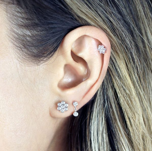 Seven high quality natural white diamonds flower cartilage helix earring set in 18k white gold
