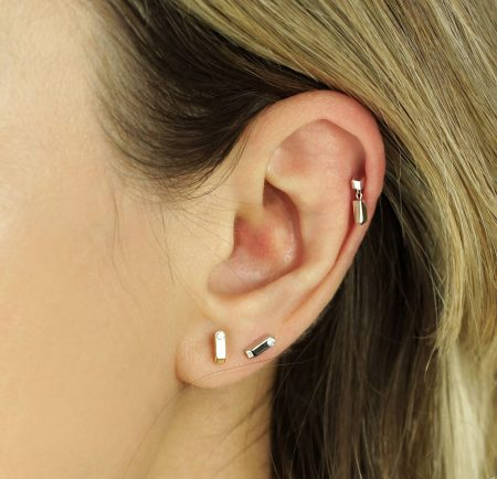 White Block Minimalist Piercing Diamond Stud
