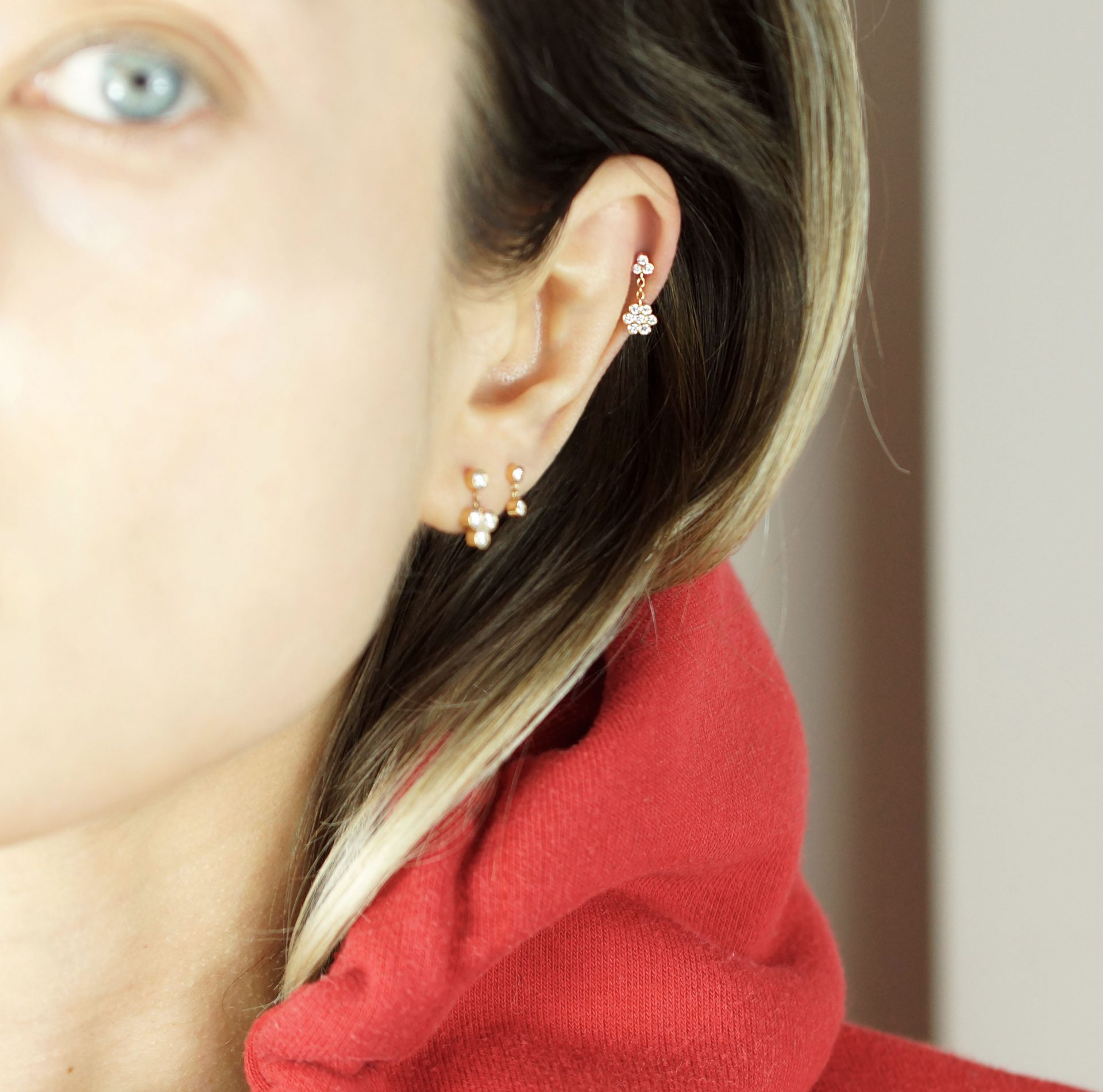 lena-cohen-luxury-piercing-british-designer-18K-solid-yellow-gold-cartilage-earring-for-tragus-helix-earlobe