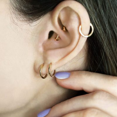 18k-gold-cartilage-earrings-hoops-huggies-lena-cohen-fine-jewellery-uk-london