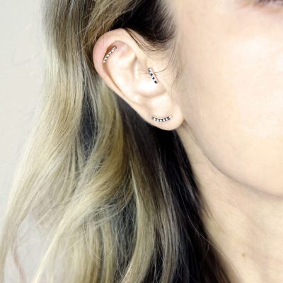 18k-white-gold-curved-in-a-bow-shape-earring-set-with-five-brilliant-cut-natural-diamonds-lena-cohen-piercings