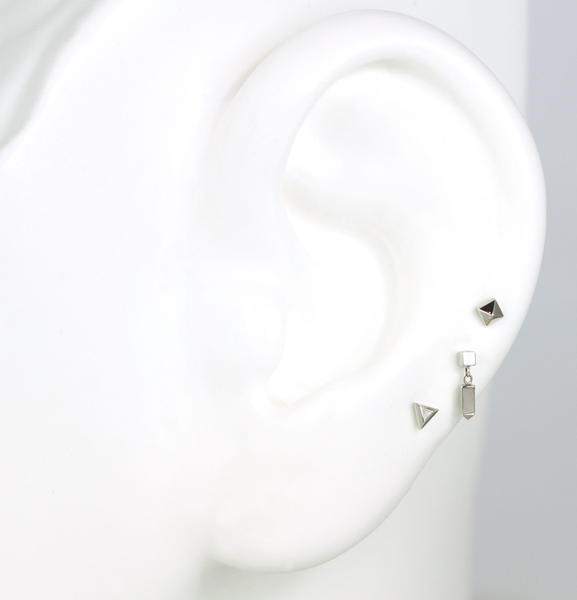 create-curated-ear-with-lena-cohen-three-ready-to-wear-piercing-errings-set