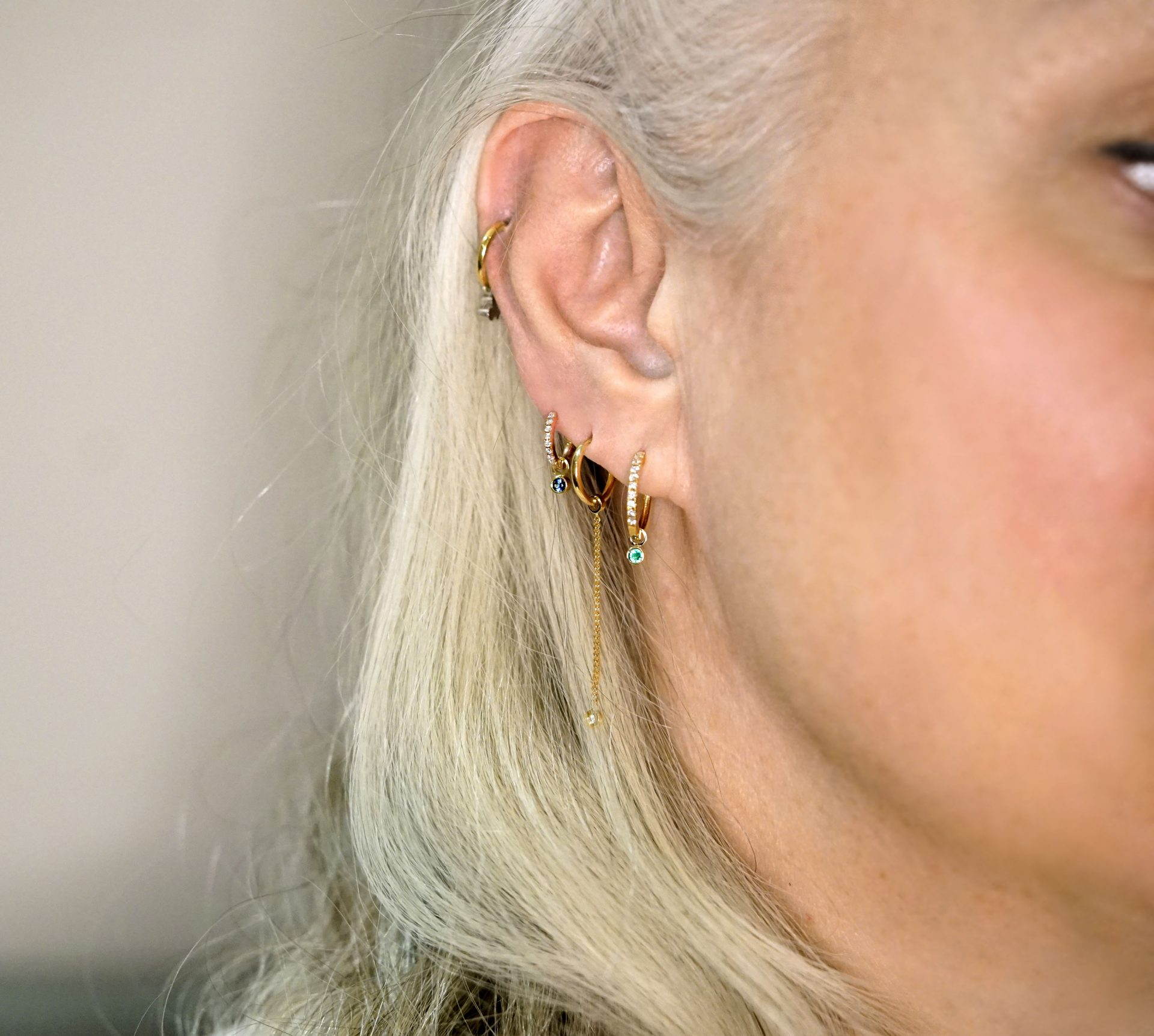 ear-stack-combination-for-women-over-50-anti-age-fashion-style-jewellery-blog-lena-cohen
