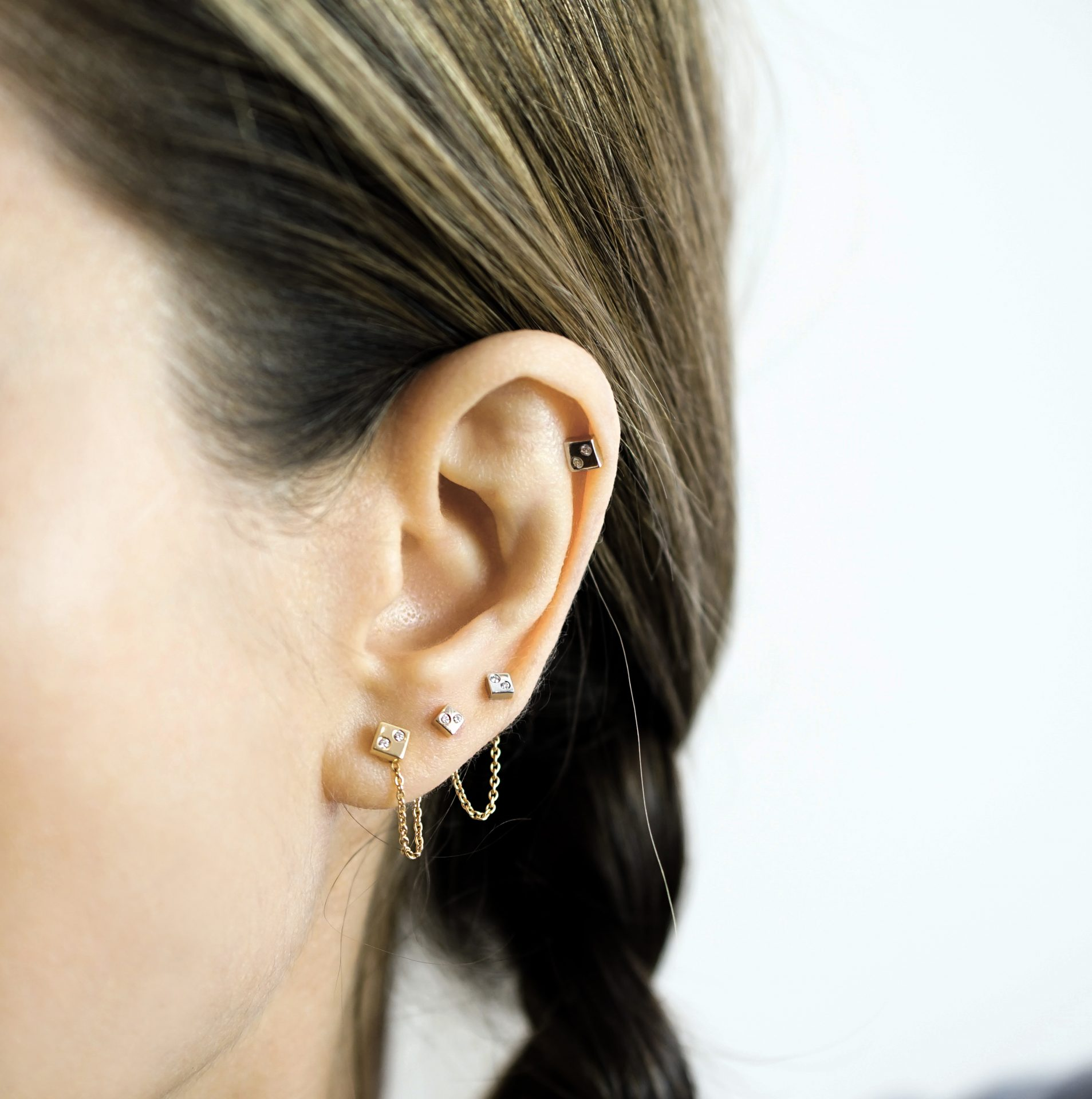 Minimalist-geometric-luxury-screw-back-cartilage-earring-by-British-designer-Lena-Cohen