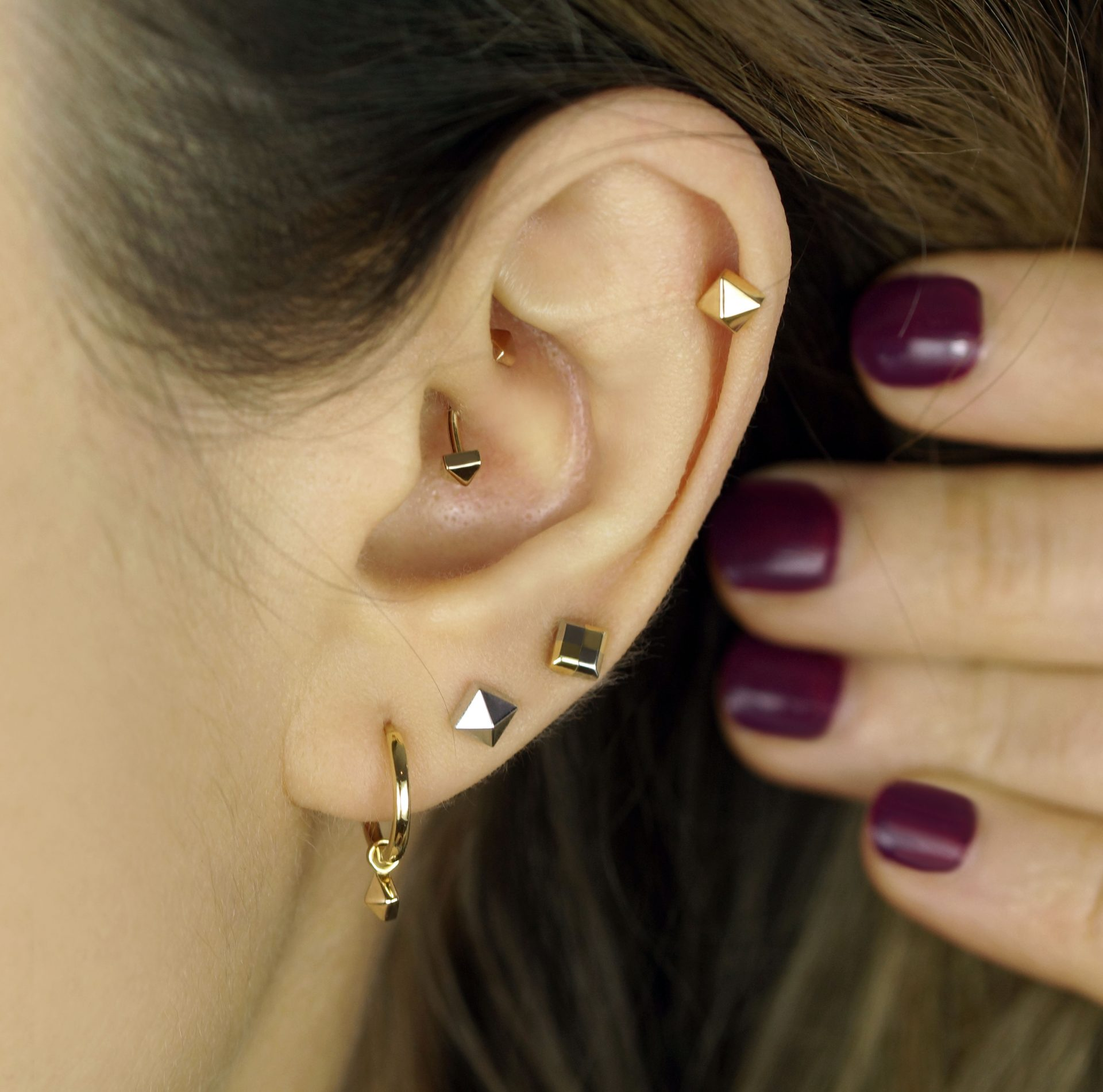 18k-Solid-Gold-Unisex-Pyramid-Spike-Piercing-Stud-Lena-Cohen-Fine-Jewellery-Piercing-UK-London
