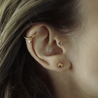 helix-huggie-clicker-earring-18k-solid-gold-pyramid-charm-lena-cohen-london