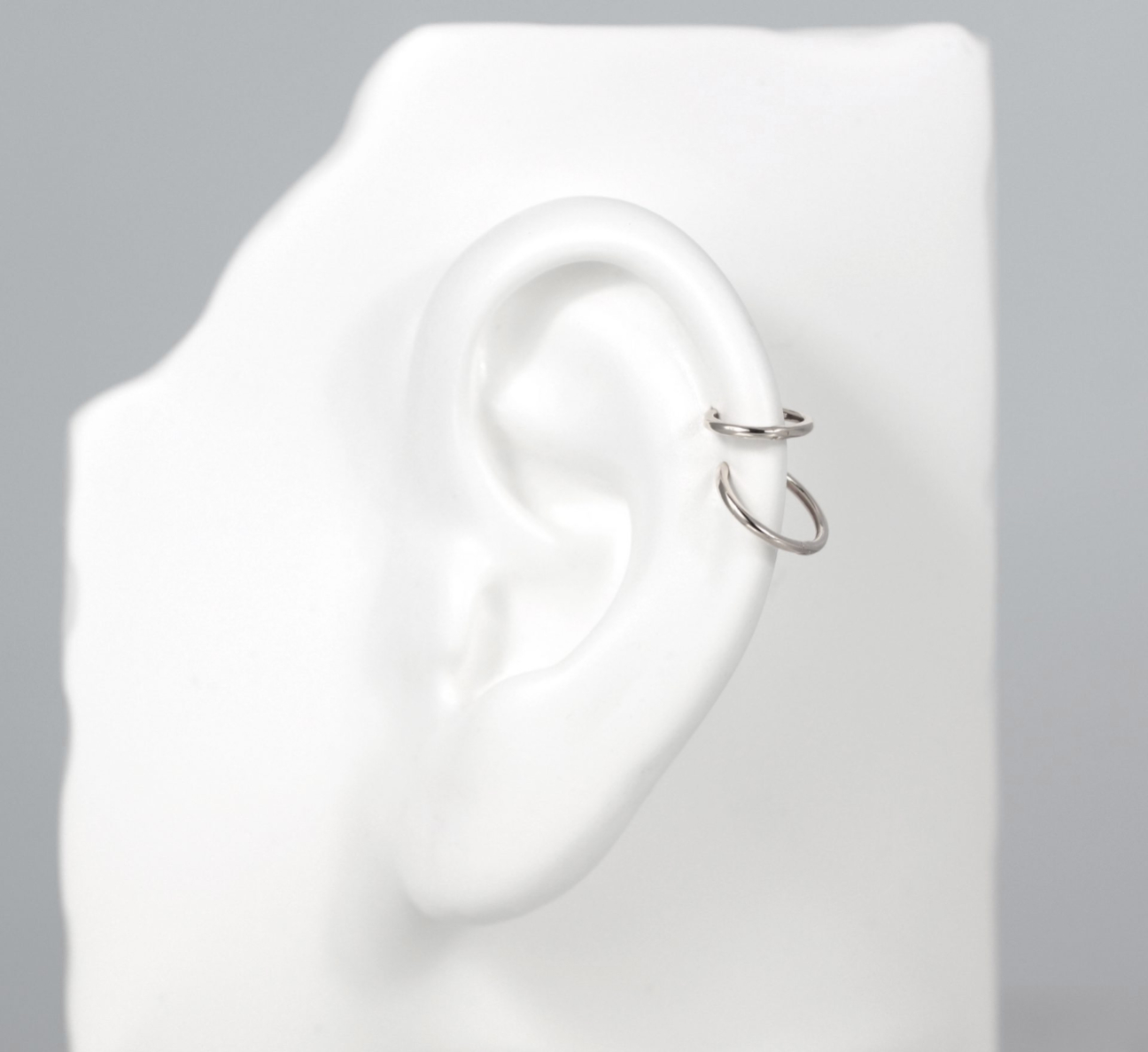 hoop-clicker-18k-white-gold-single-huggie-earring-lena-cohen-london