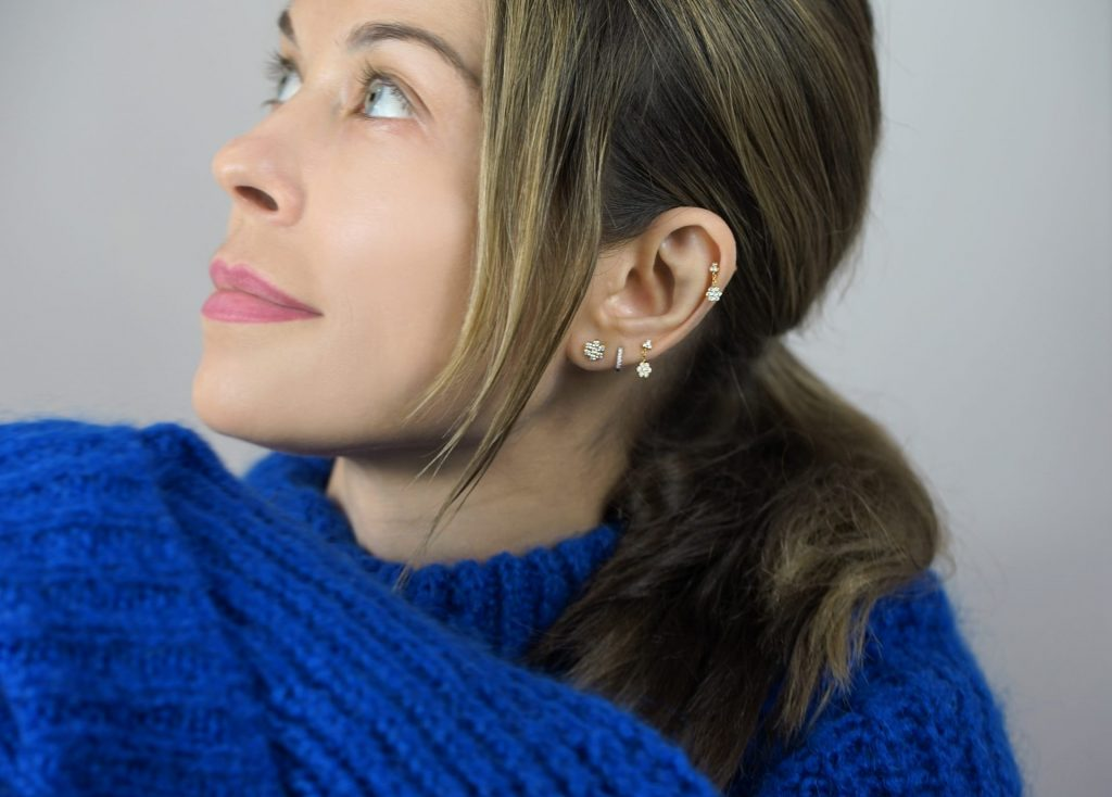 How to Spice Up the Sweater with Multiple Piercing Earrings Combination