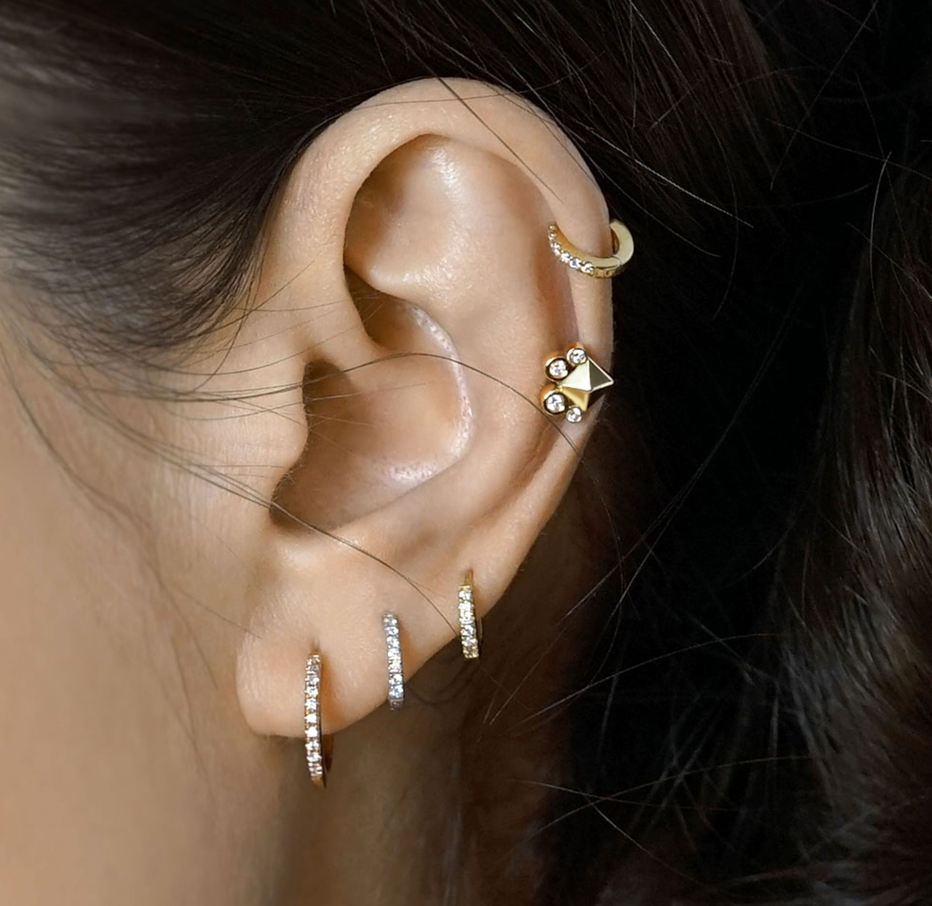 cartilage-helix-18k-solid-gold-earring-zodiac-aries-lena-cohen-london