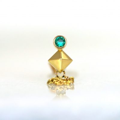 lena-cohen-luxury-piercing-earrings-zodiac-collection-taurus-earring-18k-solid-gold-natural-emerald