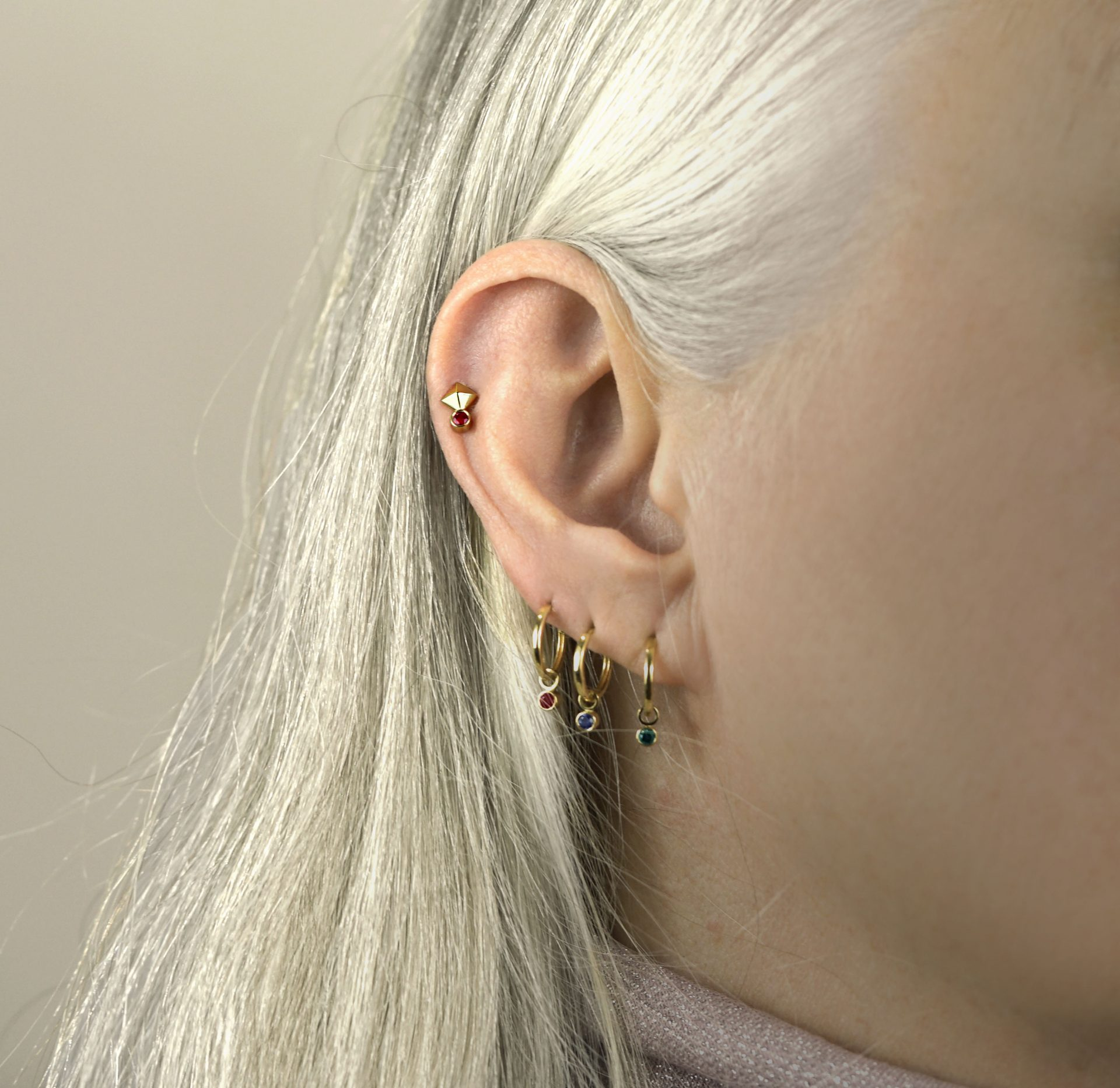leo-cartilage-helix-18k-solid-gold-earring-zodiac-leo-lena-cohen-london